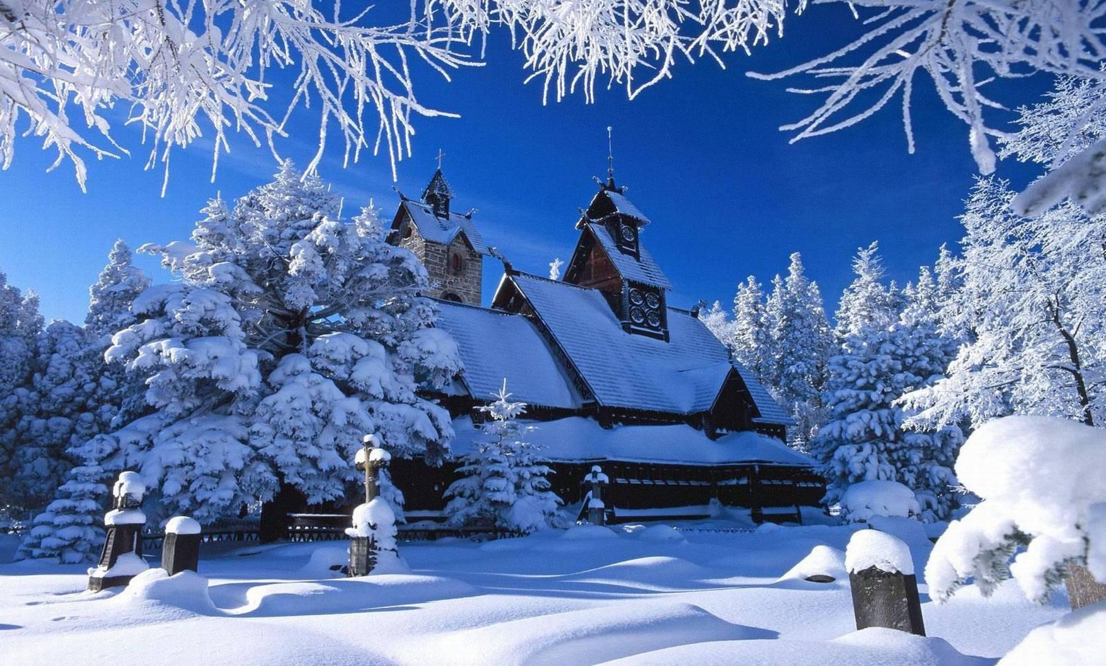 zasnezeny kostol, dreveny kostol, zasnezene stromy, cintorin, zima, sneh 149475